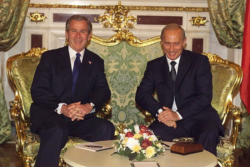 US and Russian presidents at the Moscow Summit, May 24, 2002